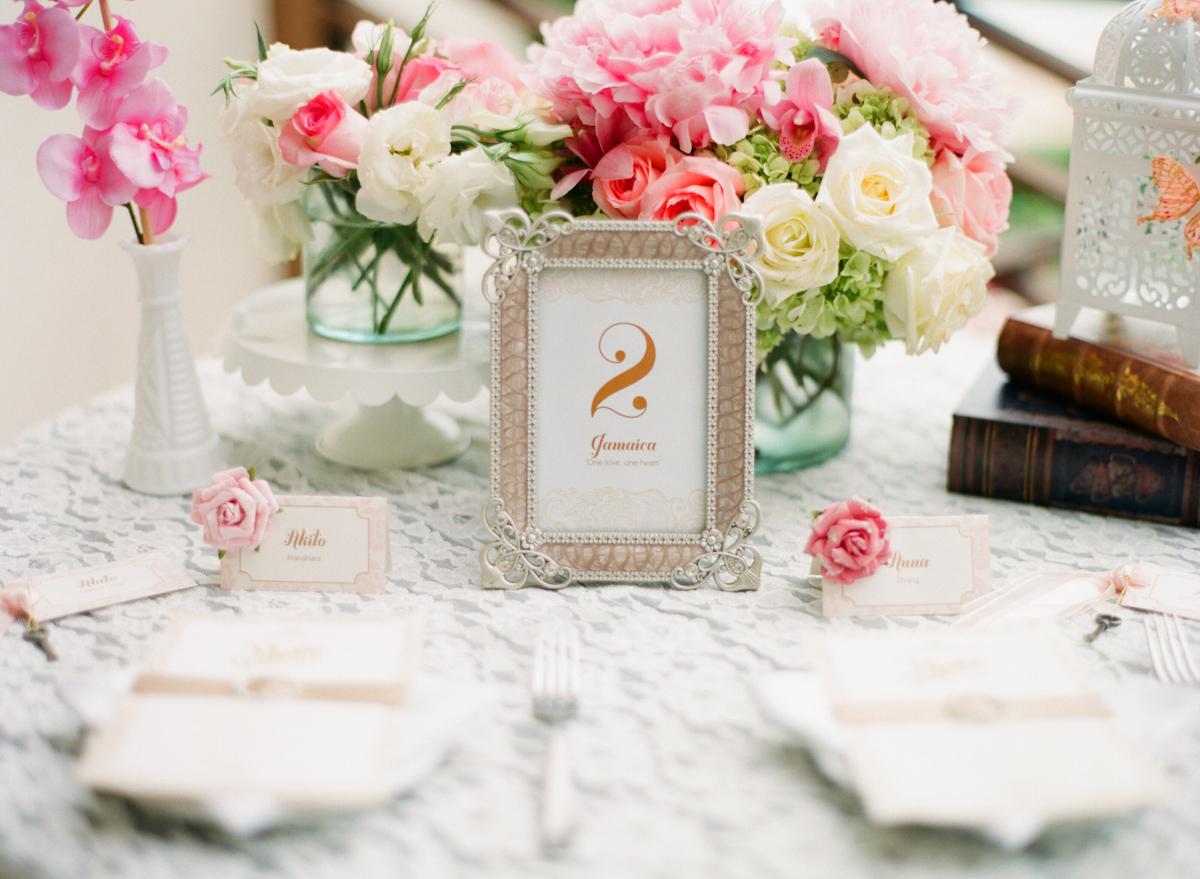 Lace Tablecloth Overlay - Elizabeth Anne Designs: The Wedding Blog