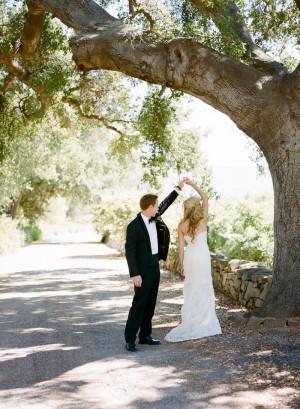 Pastel Garden Ranch Wedding by Erin Hearts Court 10