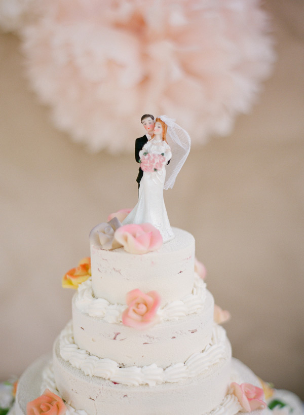 Traditional Bride And Groom Cake Topper Elizabeth Anne