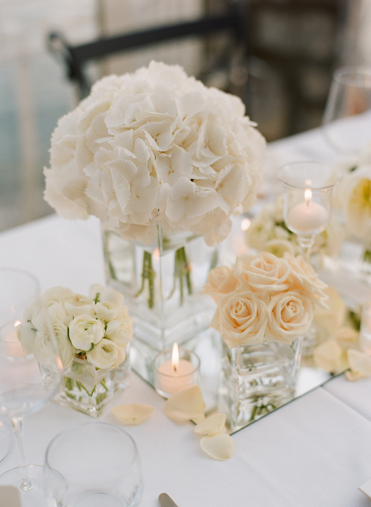 White and pale peach flower arrangements in clear glass vases white and pale peach flower arrangements in clear glass vases mightylinksfo Image collections