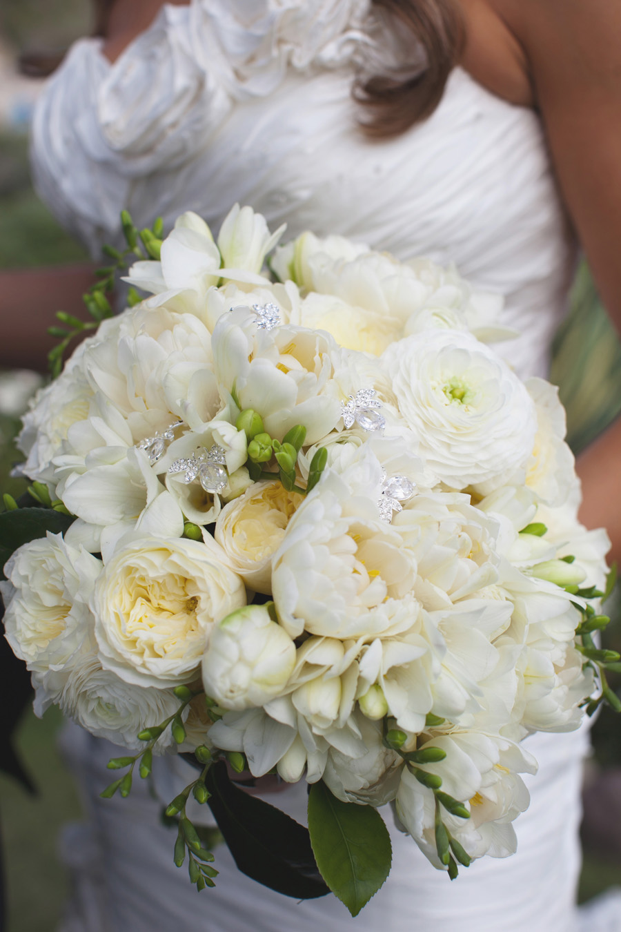 white freesia ranunculus rose wedding bouquet elizabeth anne designs the wedding blog. Black Bedroom Furniture Sets. Home Design Ideas