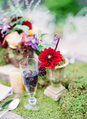 Berries and Wildflower Decor Ideas