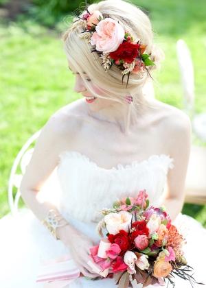 Elegant Floral Bridal Headpiece