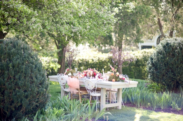 Peach and Red Wedding Tabletop