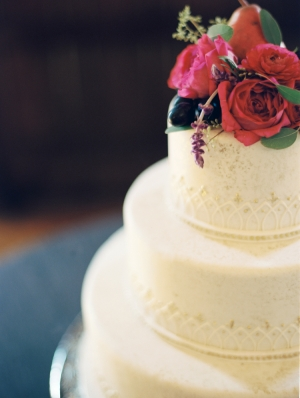 Round Wedding Cake With Rose Topper