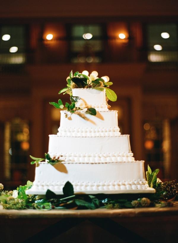 Classic Fall Wedding Cake
