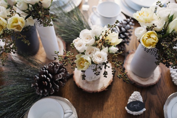 Yellow Gray Winter Table Ideas