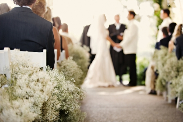 Baby's Breath Aisle Decor
