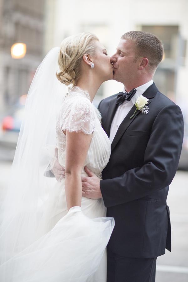 Classic Savannah Wedding Jade and Matthew Take Pictures