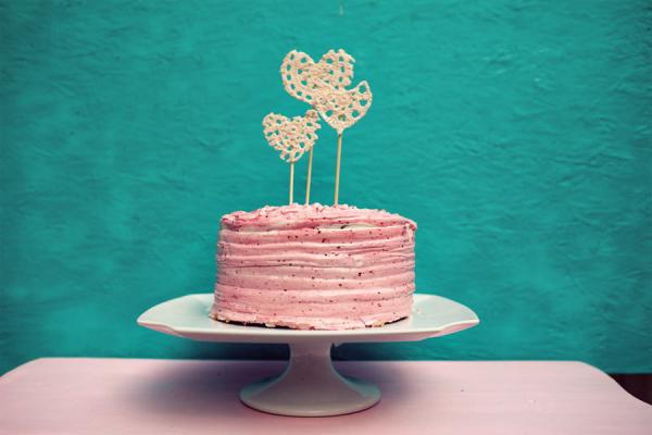 DIY Doily Cake Topper