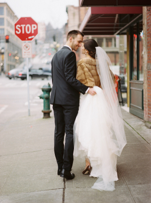 Cream Rose And Dusty Miller Bouquet Clic Seattle Winter Wedding