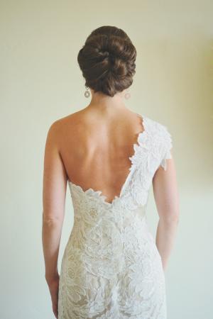 Elegant Lace Wedding Gown