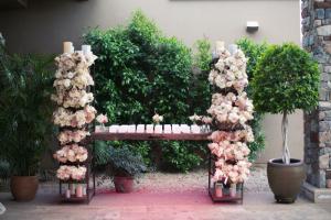 Elegant Floral Escort Card Table