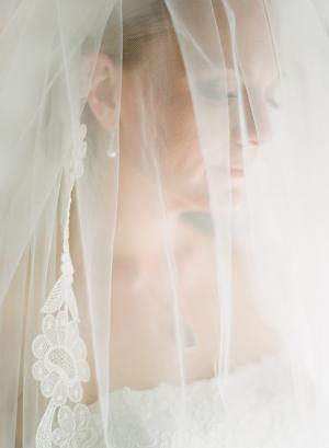 Elegant Veil Lexia Frank