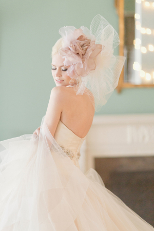 Oversize Tulle Flower Bridal Hairpiece