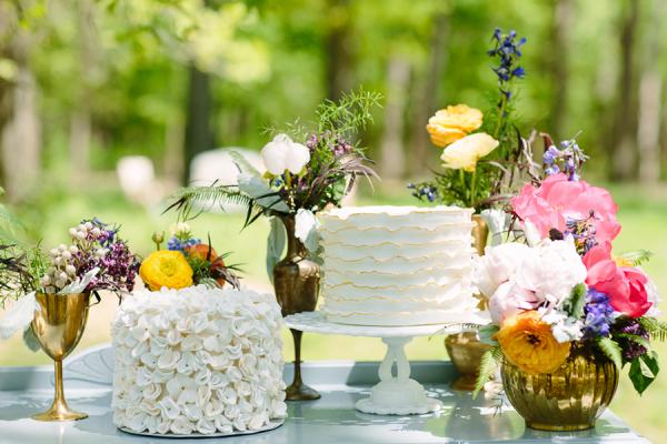 Wildflower Wedding Cake Table