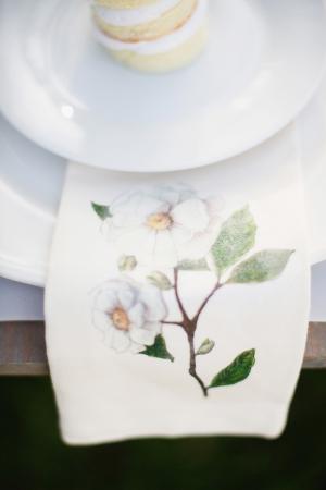 Cloth Napkins With Magnolia Motif