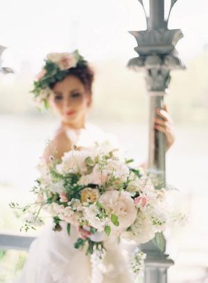 Elegant Ivory Bouquet