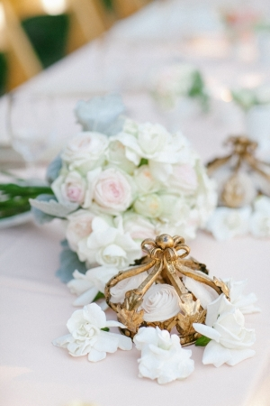 Gold Crown Reception Table Decor