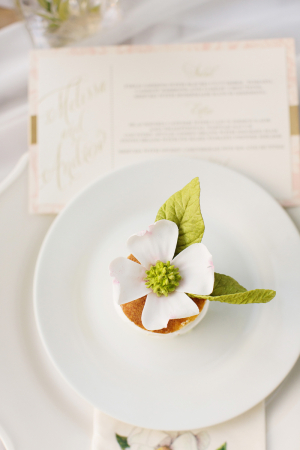 Mini Cakes With Sugar Flower Topper