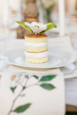 Mini Vanilla Naked Cake