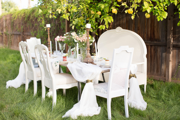 Vintage White and Gold Reception Table Decor