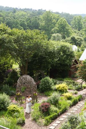Ideas for Garden Weddings