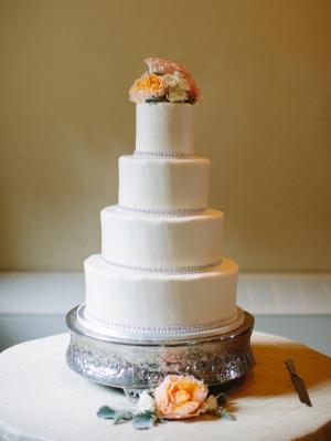 Classic Fondant Wedding Cake