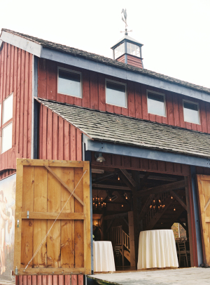 NY Wedding Reception in a Barn