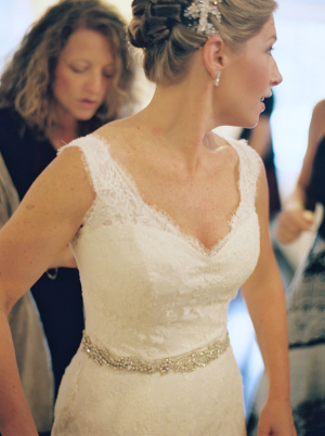 Sleeveless Lace Wedding Gown1