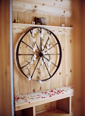 Wagon Wheel Place Card Display