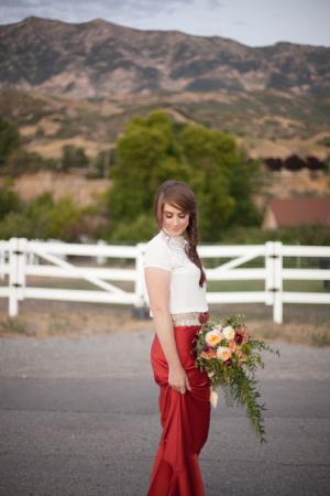 Autumn Engagement Photo Ideas