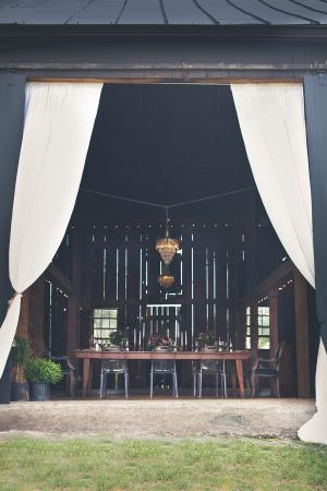 Elegant Barn Decor for Reception