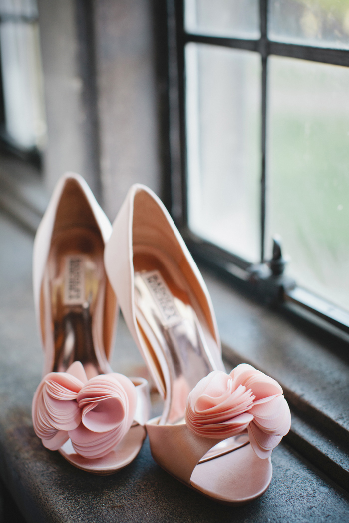 pink wedding shoes for bride pale pink badgley mischka bridal heels elizabeth 6610