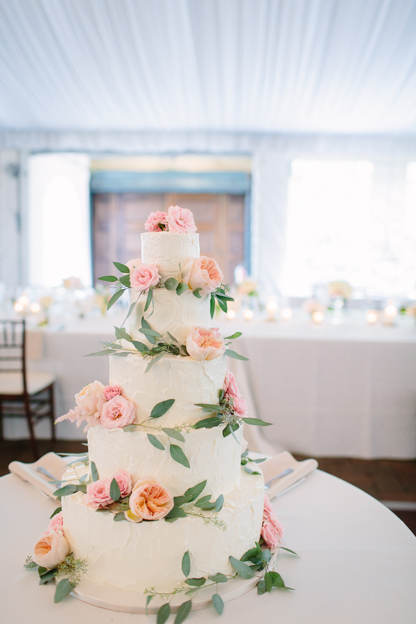 classic wedding cake with pink roses