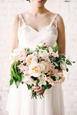 Elegant Peach Garden Style Bouquet