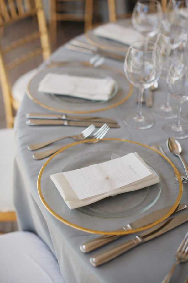 Gold Rimmed Chargers Elizabeth Anne Designs The Wedding Blog