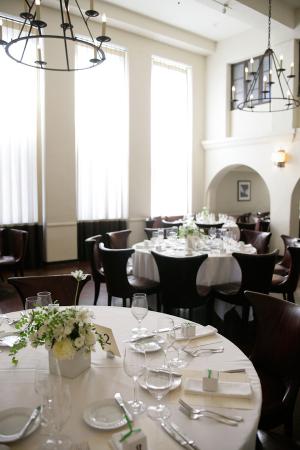 Modern LA Restaurant Reception Venue