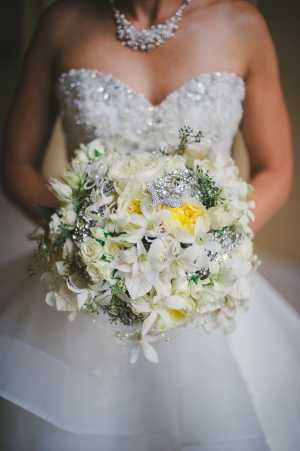 Bridal Bouquet With Pearls and Brooches