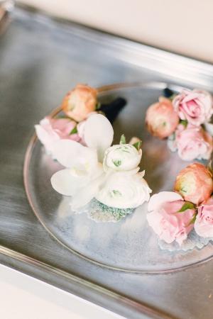 Flowerbud Boutonnieres