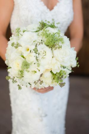 Round Ivory Bouquet