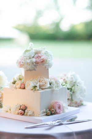 Square Wedding Cake With Fresh Flowers