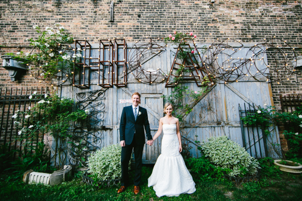 Bride and Groom Outdoor Chicago Portrait