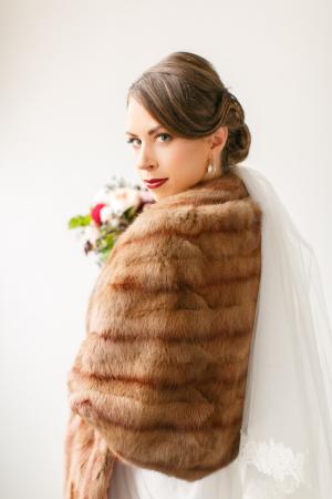 Bride in Fur Stole1