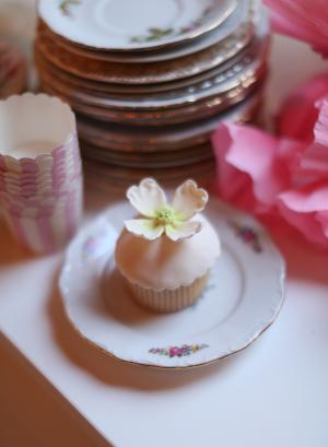 Cupcake with Sugar Flowers