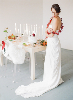 Natural Holiday Wedding Decor