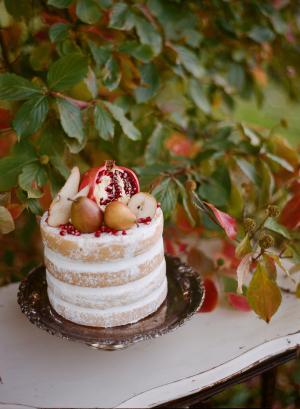 Powdered Sugar Dusted Wedding Cake