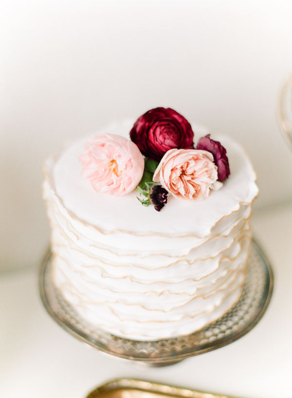 Simple One Tier Cake with Flowers