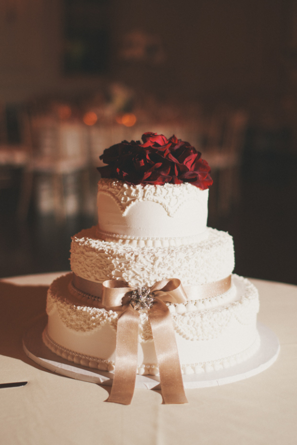 Wedding Cake with Red Flowers1
