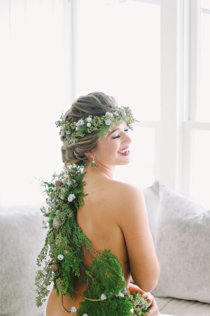 Greenery Garland Winter Wedding Ideas